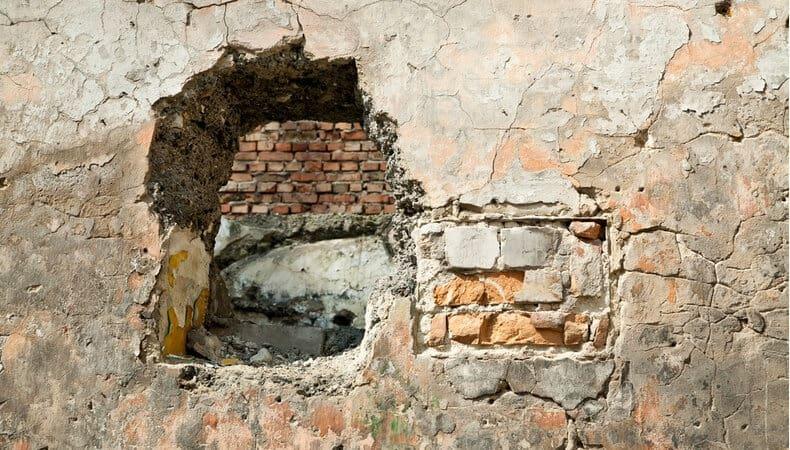 Deadly blast kills at least 7 in religious school in Peshawar, Pakistan